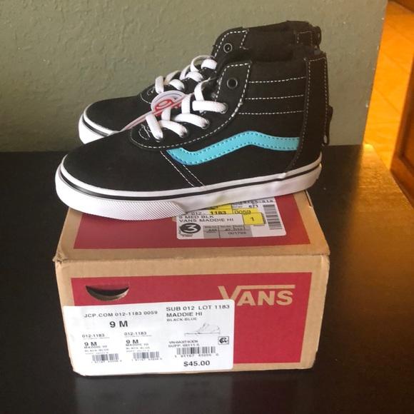 0d647f3d15b Vans new 2 pairs
